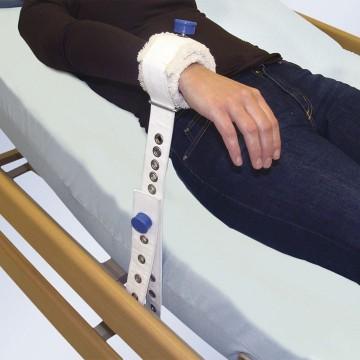 Bata kimono de polipropileno 15 gr blanco